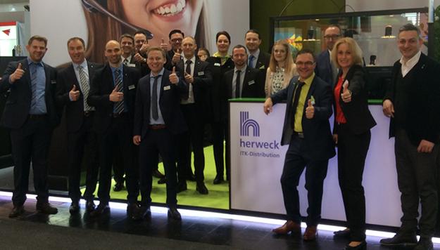 CeBIT 2016 – zur Halbzeit ein voller Erfolg